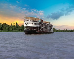 Pandaw Cruise 8 days Vietnam and Cambodia