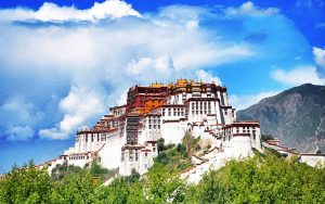 Towering Picturesque is the holy center of Tibet